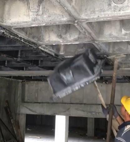 نحوه خروج قالب هاى وافل از زیر سقف