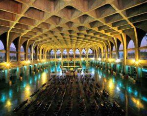 وافل در ایستگاه راه آهن اصفهان
