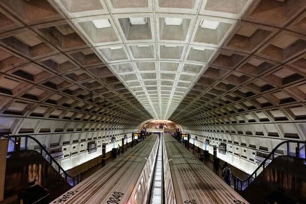 وافل در ایستگاه مترو آمریکا